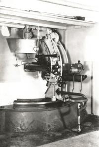 SU44 4-7cm37L37SL ---en mai1942